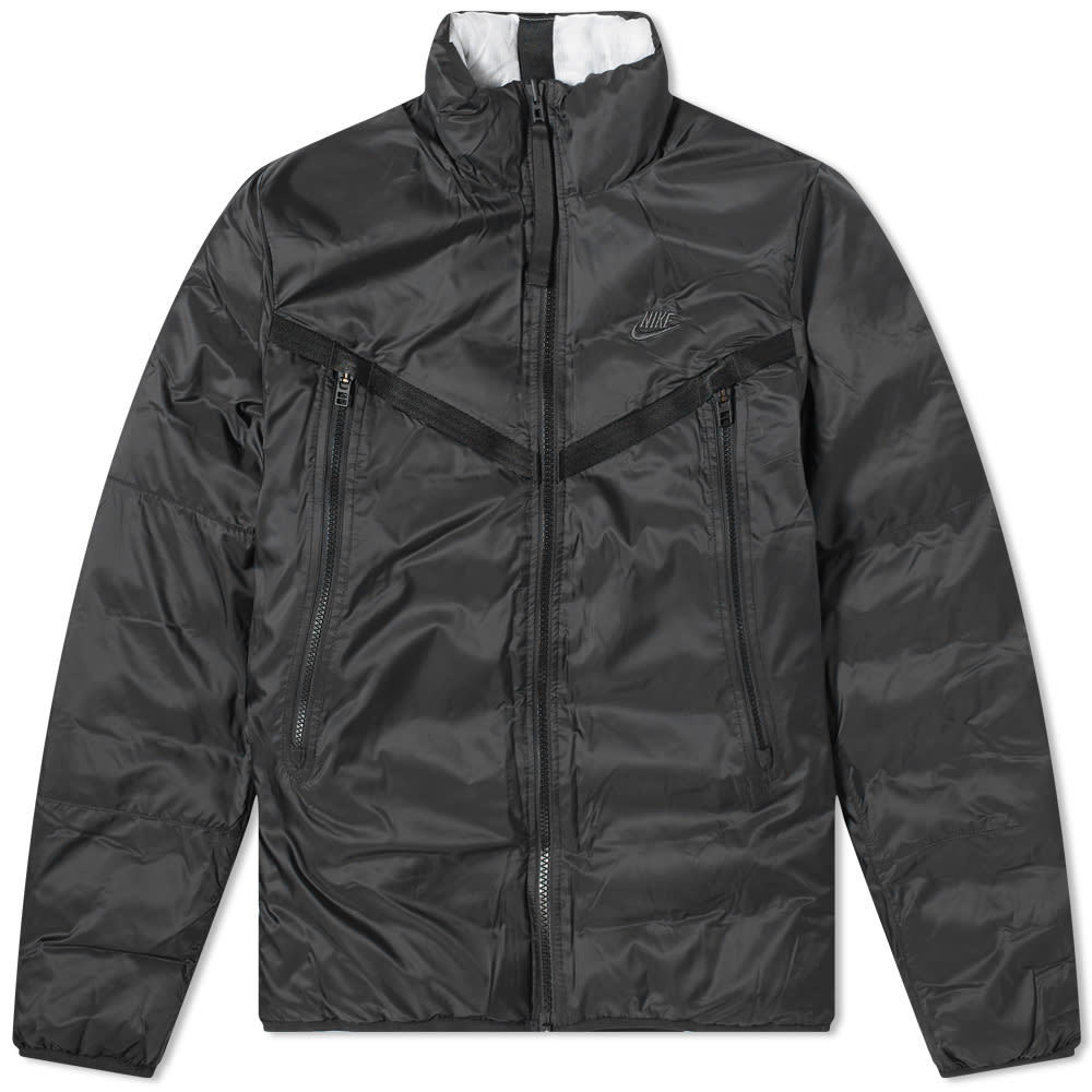 Photo: Nike Therma-Fit Reversible Down Jacket