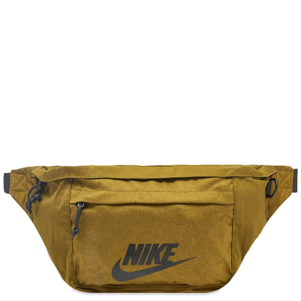 Photo: Nike Hip Pack