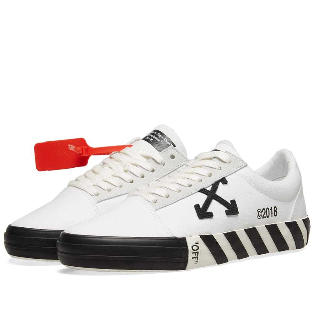 Photo: Off-White Vulcanised Striped Low Top Sneaker
