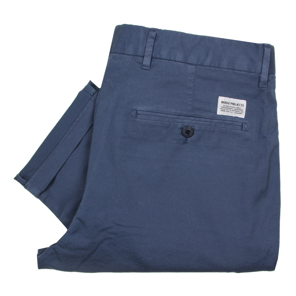 Photo: Chinos Aros - Annodized Blue