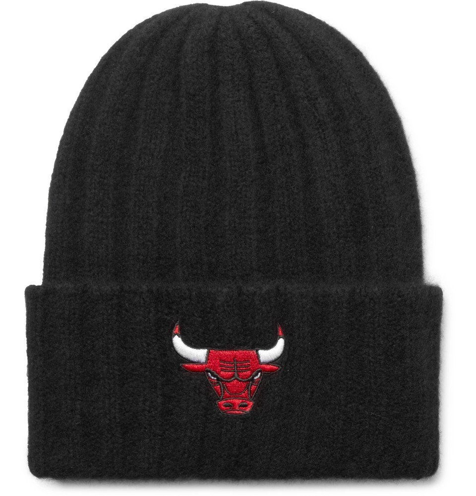 Photo: The Elder Statesman - NBA Chicago Bulls Appliquéd Ribbed Cashmere Beanie - Black