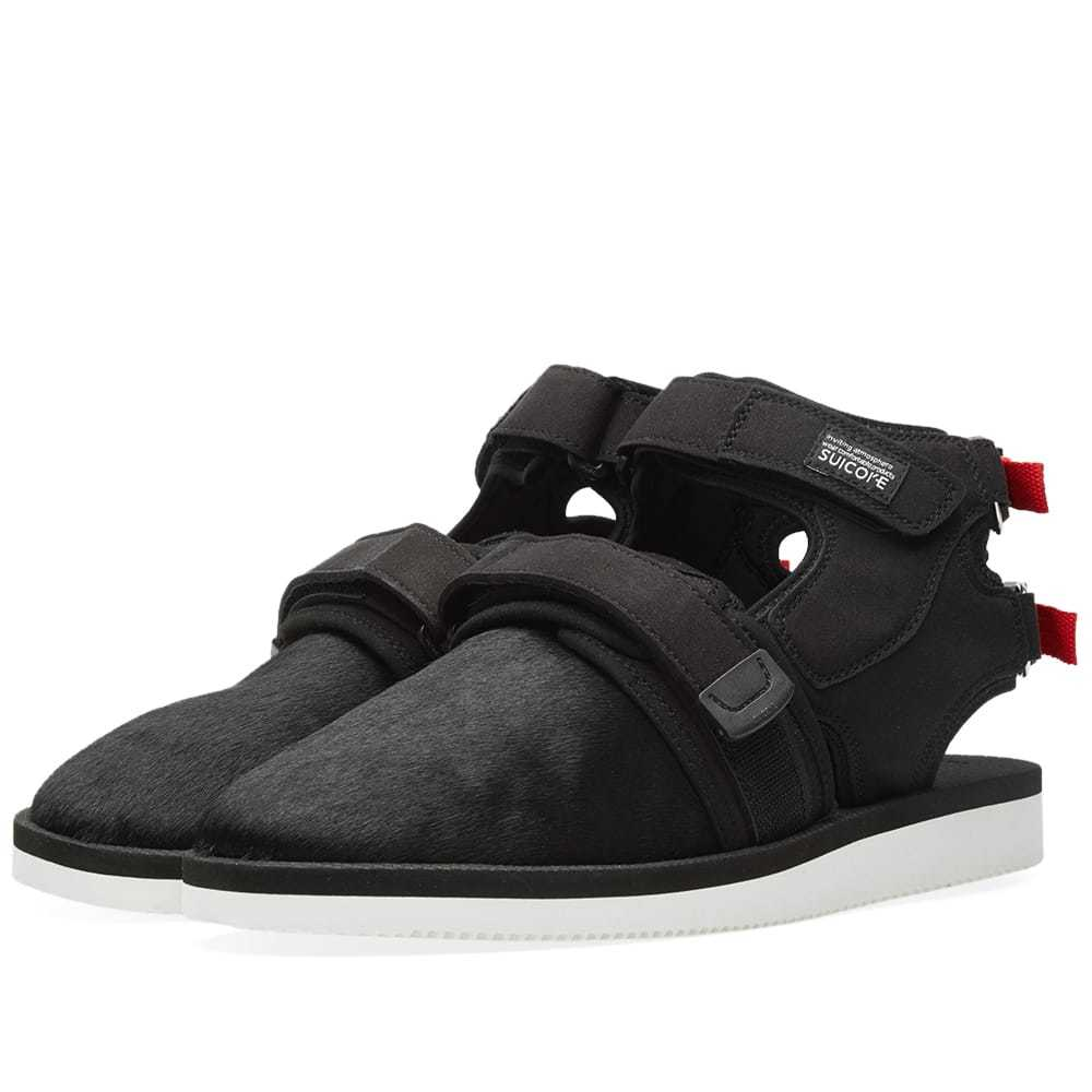 Photo: John Elliott x Suicoke Sandals