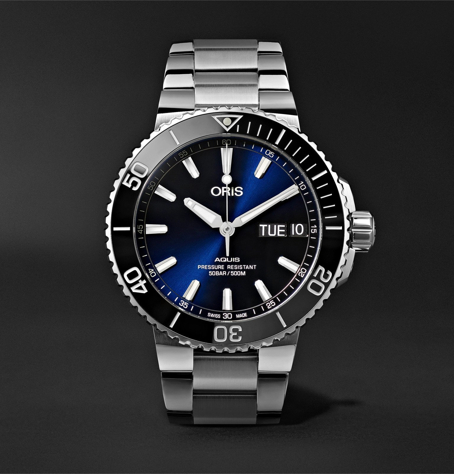Photo: Oris - Aquis Big Day Date Automatic 45.5mm Stainless Steel Watch - Blue