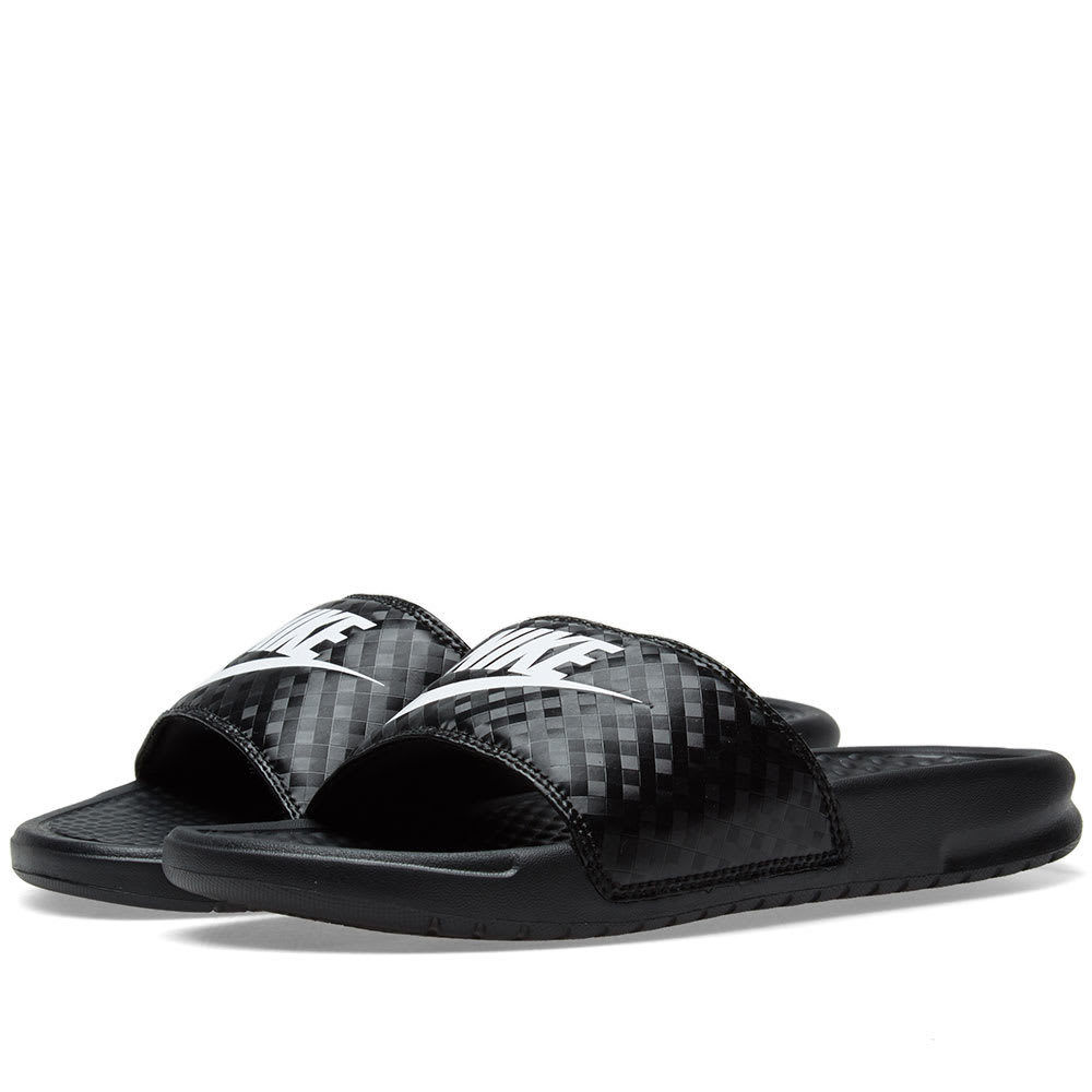 Photo: Nike Benassi JDI W Black & White