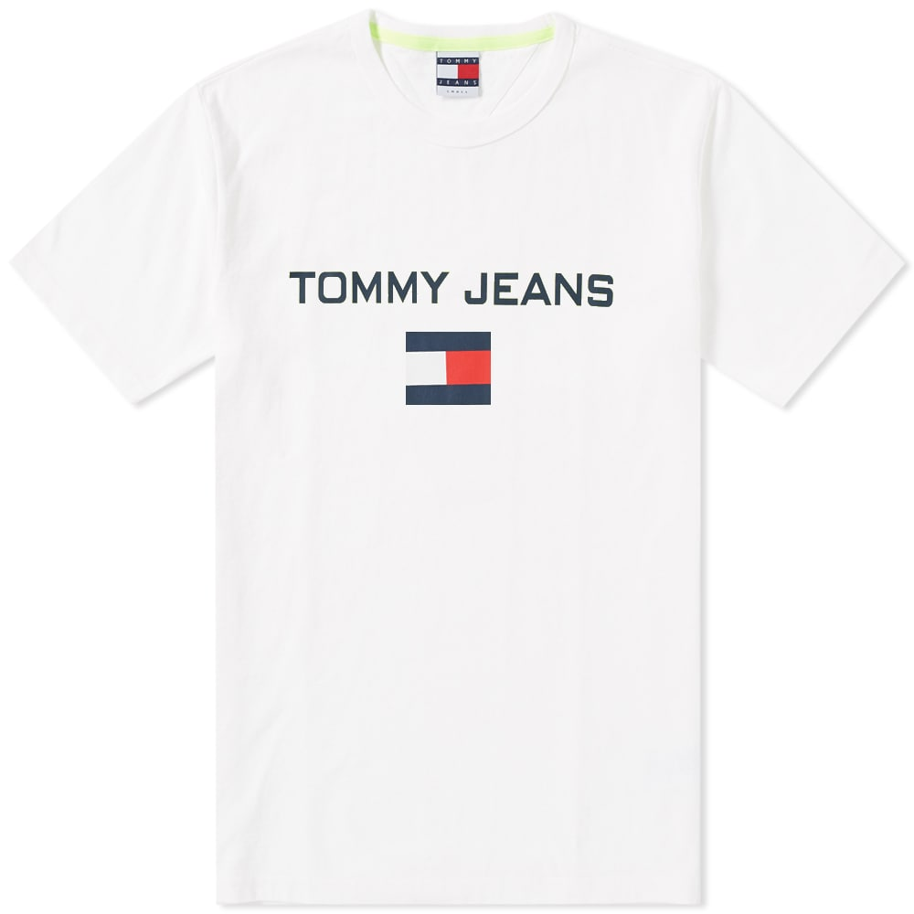 Photo: Tommy Jeans 5.0 90s Logo Tee White