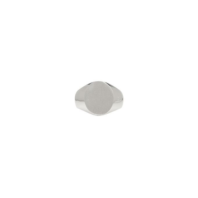 Photo: Tom Wood Silver Satin Oval Ring