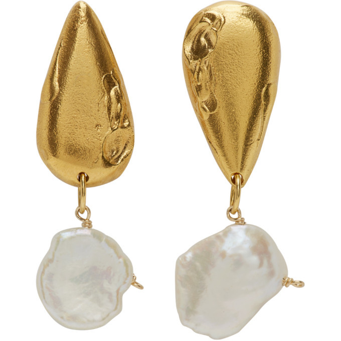 Photo: Alighieri Gold Pearl The Fear And The Desire Earrings