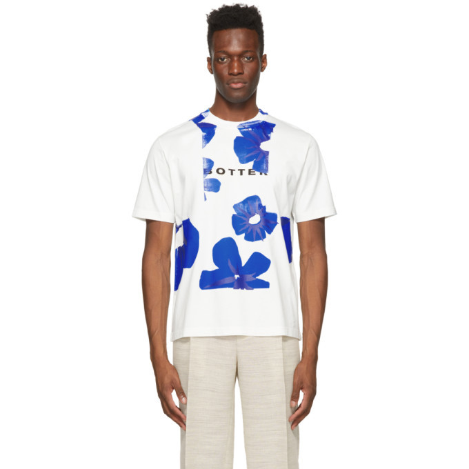 Photo: Botter Off-White and Blue Flower Classic T-Shirt