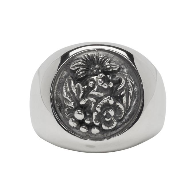 Photo: Ugo Cacciatori Silver Button Foliage Chevalier Ring