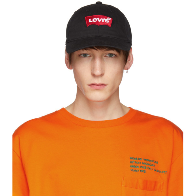 Photo: Levis Black Logo Cap