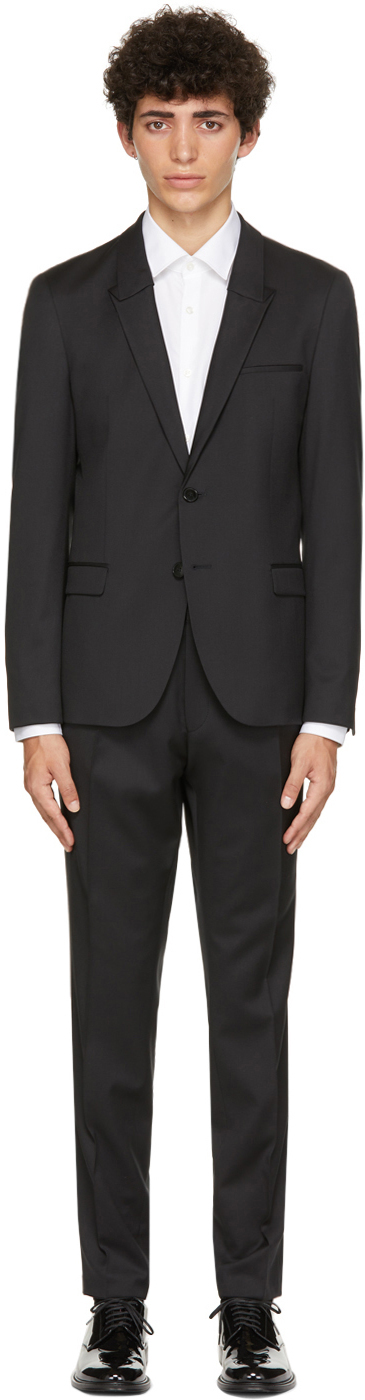 Photo: Hugo Black Slim-Fit Suit