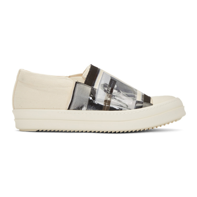 Photo: Rick Owens Drkshdw Off-White Patch Feature Boat Sneakers