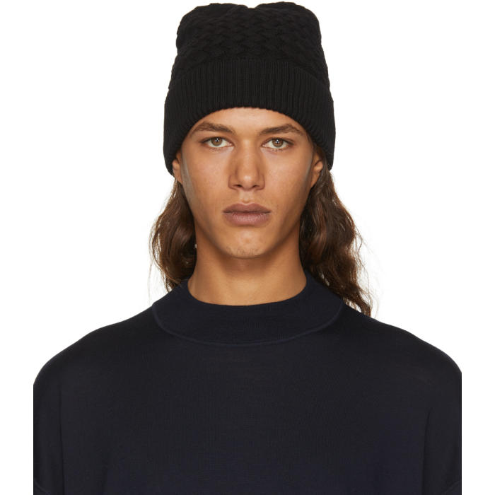 Bottega Veneta Black Wool Amaranth Beanie