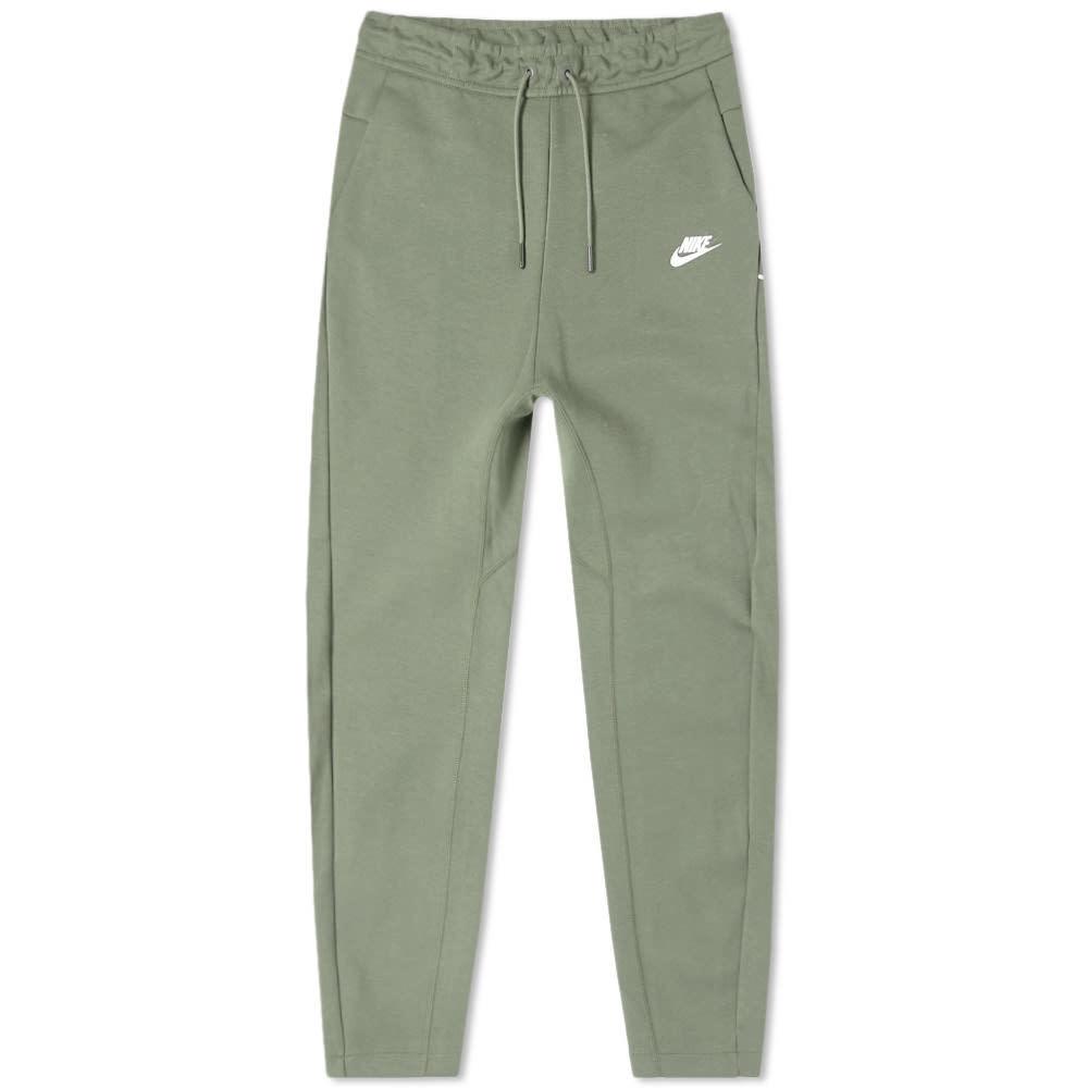 Photo: Nike Tech Fleece Pant