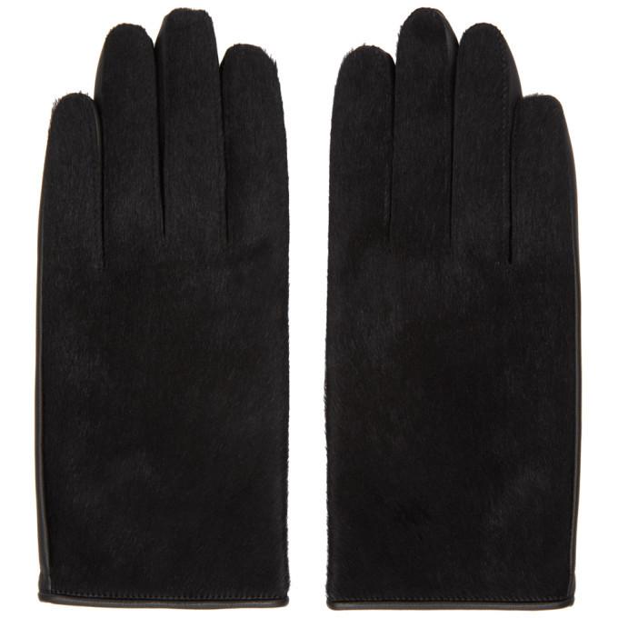 Photo: Sasquatchfabrix. Black Leather Gloves