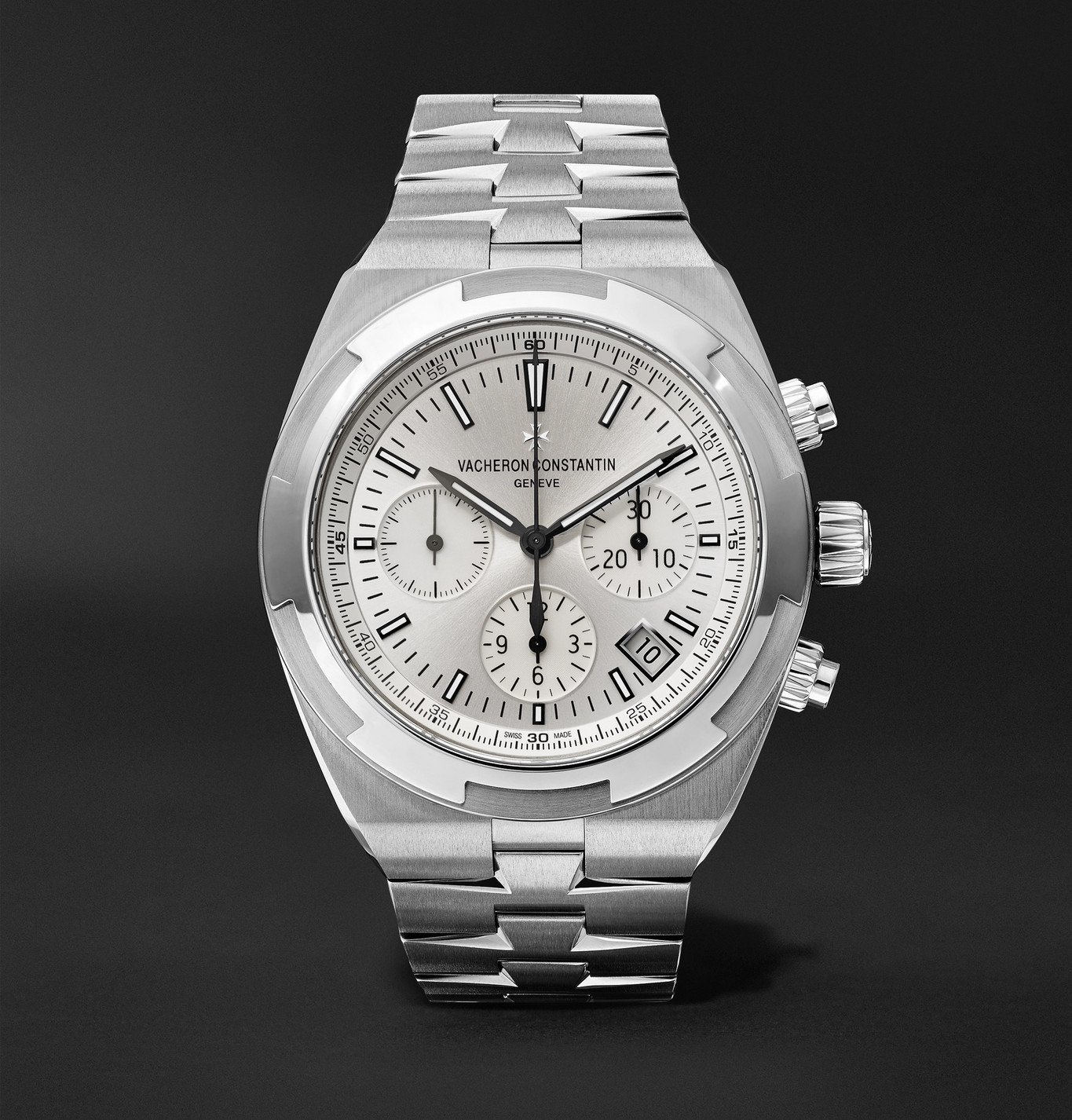 Photo: Vacheron Constantin - Overseas Automatic Chronograph 42.5mm Stainless Steel Watch, Ref. No. 5500V/110A-B075 - Silver