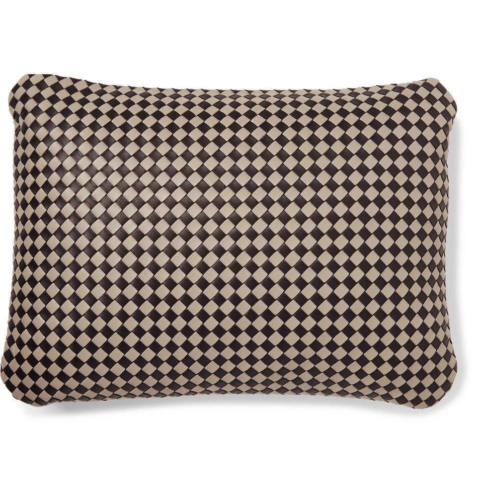 Bottega Veneta - Two-Tone Intrecciato Leather Travel Pillow - Men - Black