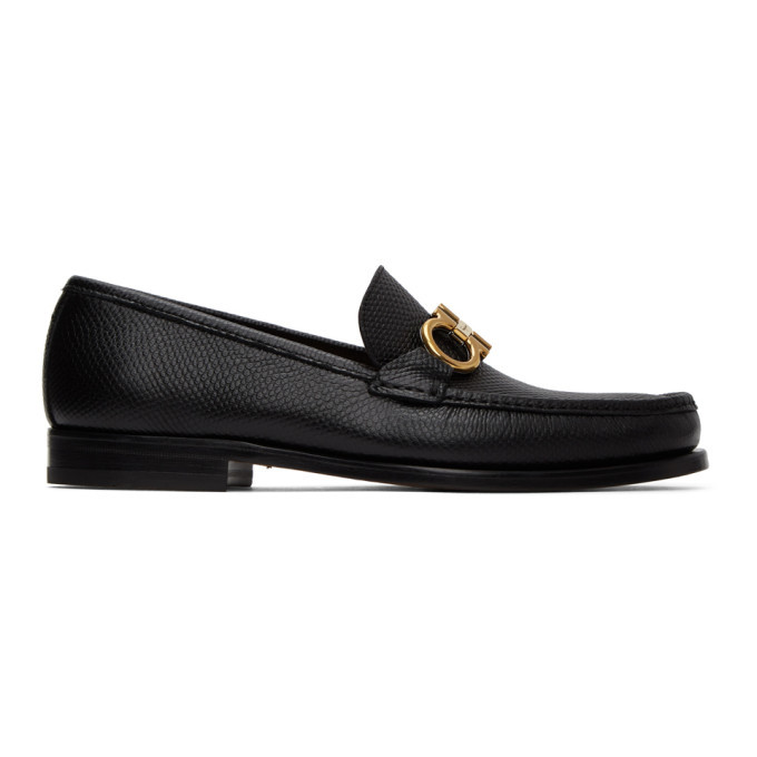 Photo: Salvatore Ferragamo Black Rolo 10 Loafers