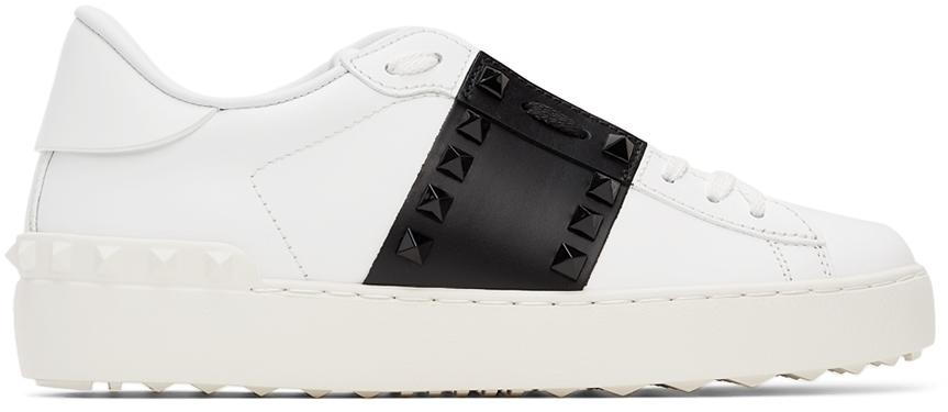 Photo: Valentino Garavani White & Black '11' Rockstud Untitled Sneakers
