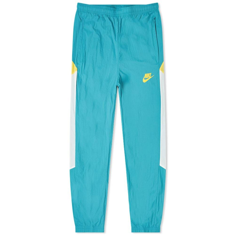 Photo: Nike Re-Issue Woven Wind Pant