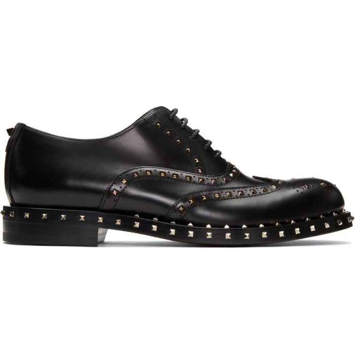 Photo: Valentino Black Valentino Garavani Rockstud Brogues