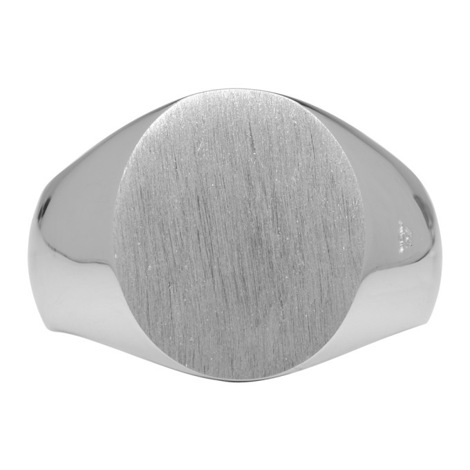 Photo: Tom Wood Silver Oval Satin Ring