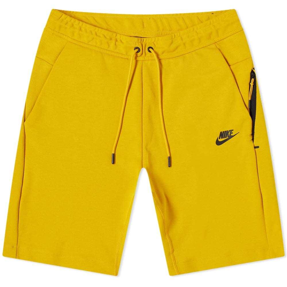 Photo: Nike Tech Fleece Short