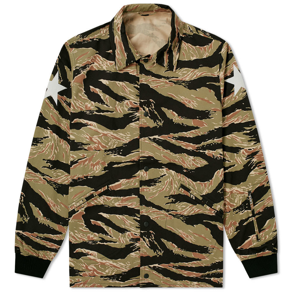 Photo: SOPHNET. Panther Coach Jacket Green