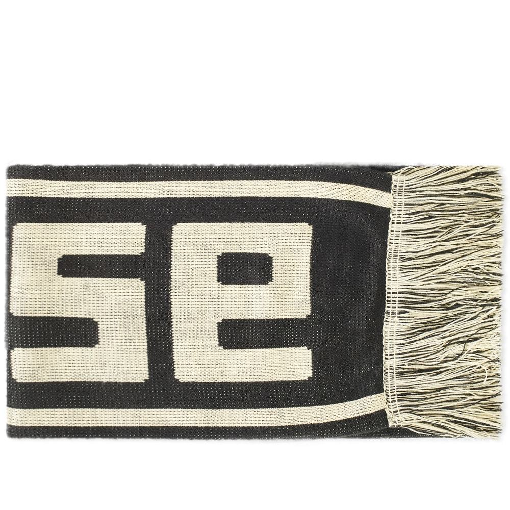 Photo: Aries Meandros Scarf