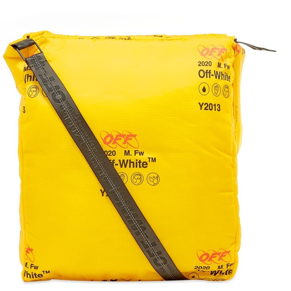 Photo: Off-White Industrial Oversize Bag