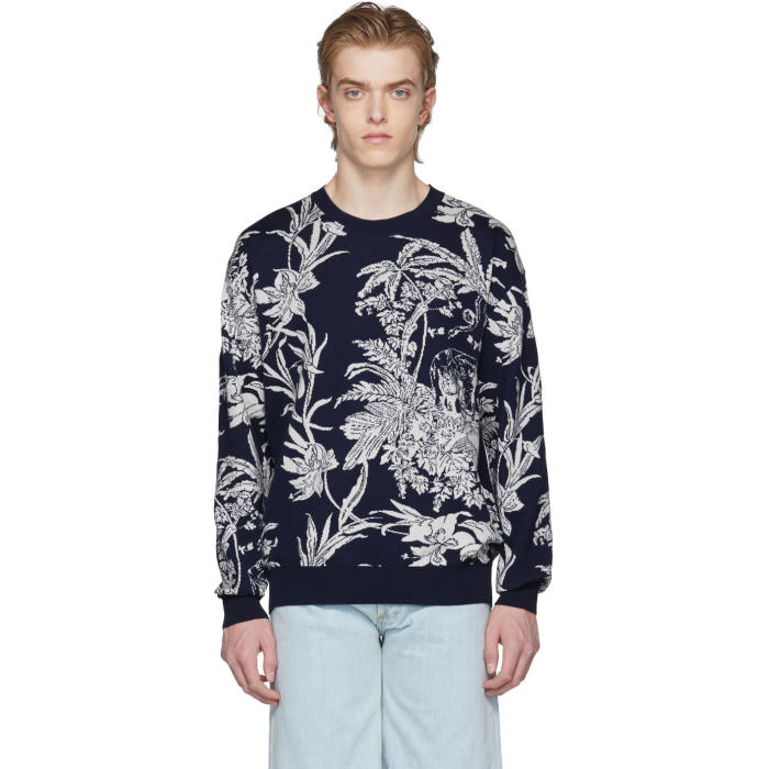 Photo: Éditions M.R  Navy and Off-White Jacquard Pullover